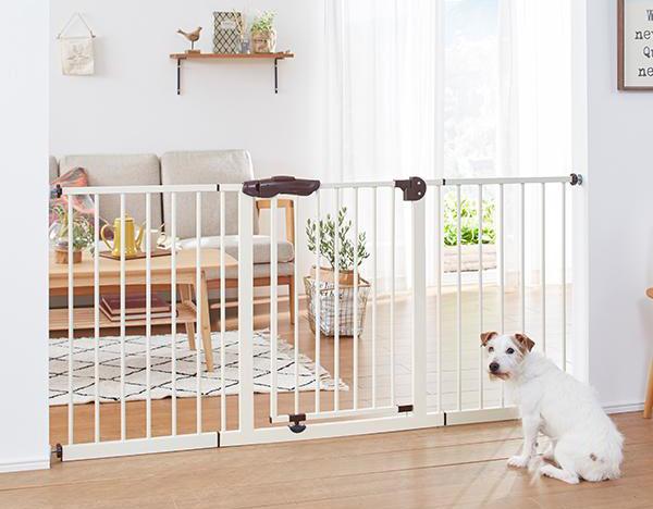 ゲートを設置する事で飼い主にも愛犬にも過ごしやすい環境に。犬用ゲート・サークル特集!